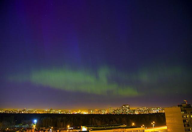 Северное сияние над Москвой