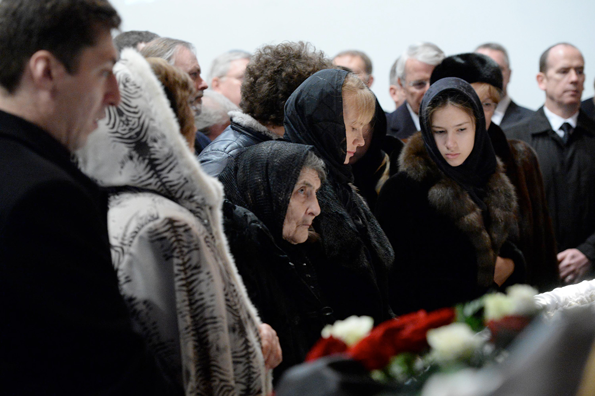 Мать Бориса Немцова Дина Яковлевна, Ирина Королева и дочь Дина