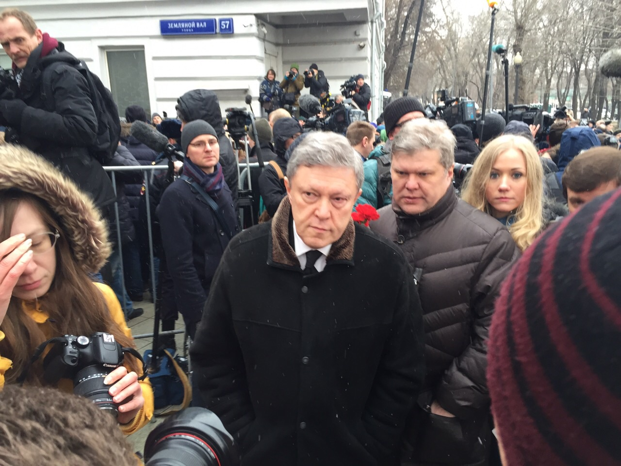 Политические деятели Григорий Явлинский и Сергей Митрохин