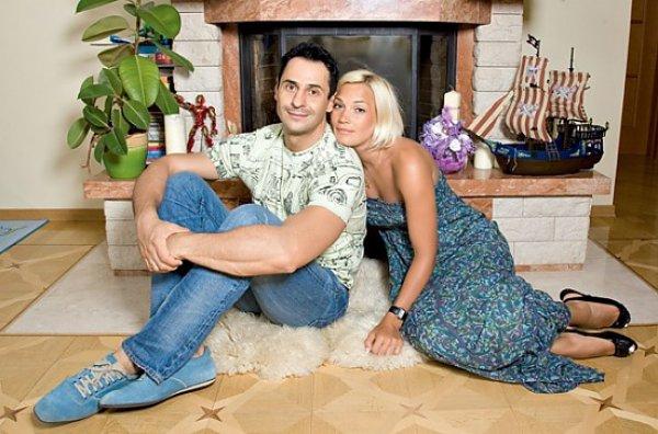 Стас Костюшкин (певец) фото, биография и его жена