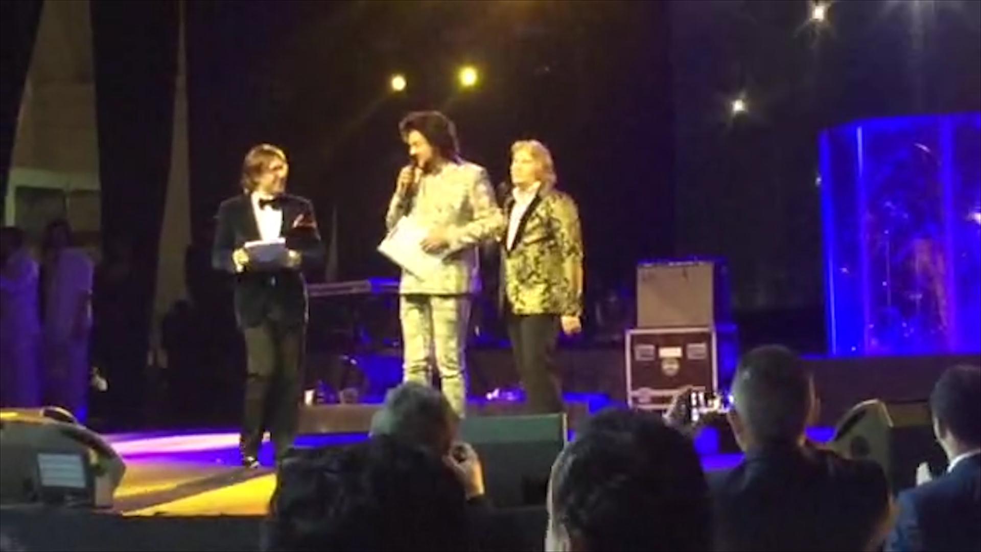 Гостей веселили Андрей Малахов, Николай Басков и Филипп Киркоров