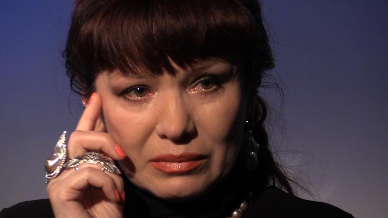 Рассказывая о любимом мужчине, Анна не могла сдержать слез