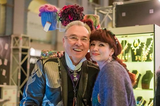 Дизайнер известна в узких столичных кругах и в том числе среди знаменитостей (на фото с Вячеславом Зайцевым)