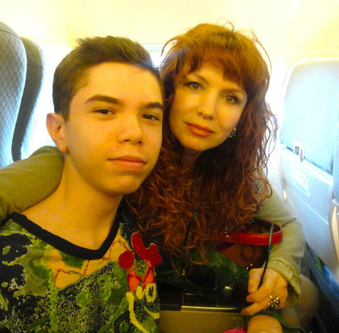 Анна Лесникова хочет, чтобы ее сына признали официально