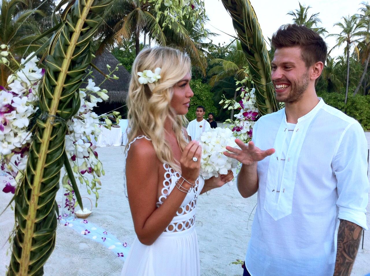 Открытки и поздравления на фаянсовую свадьбу