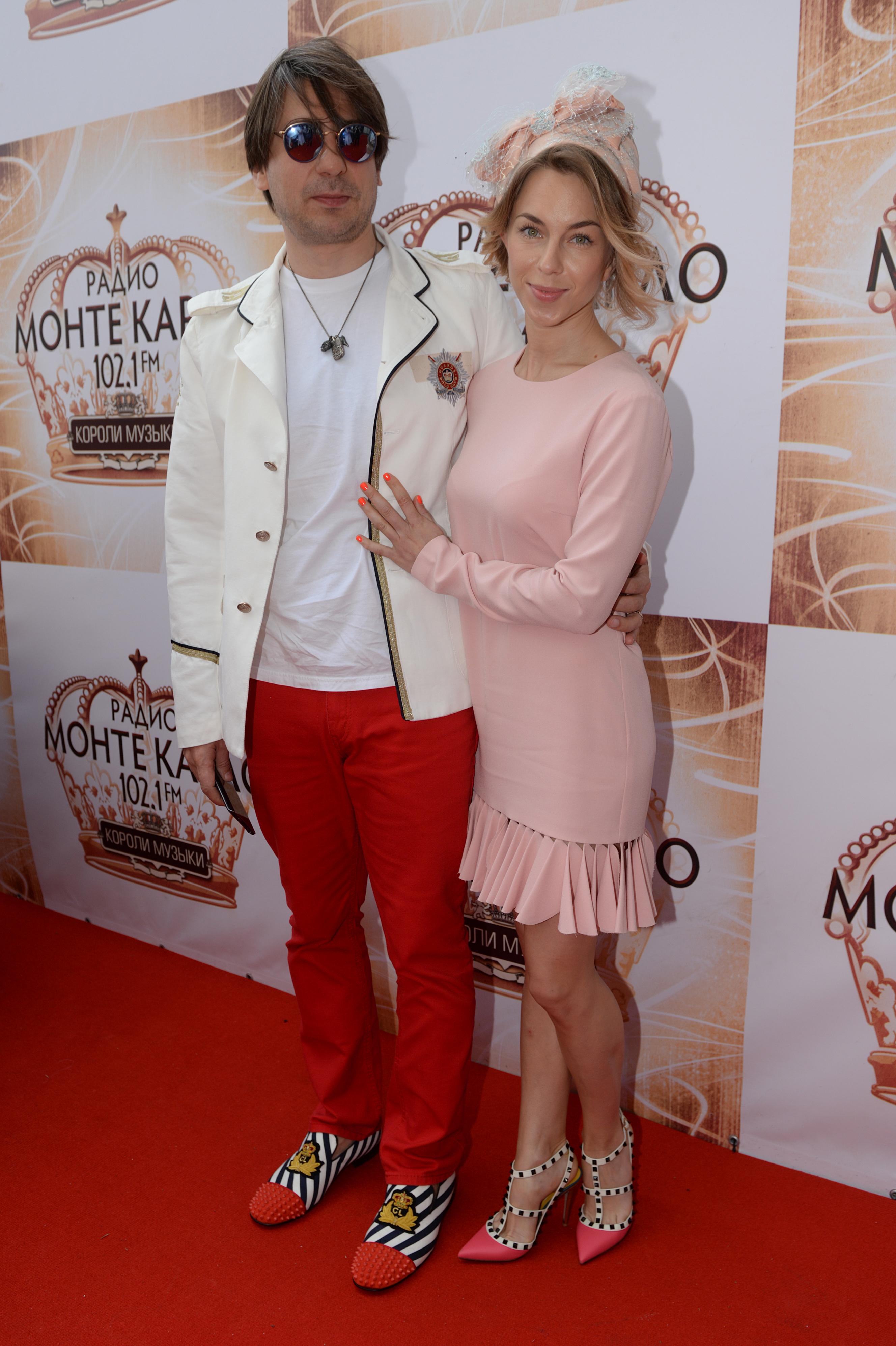Программный директор «Русского радио» Роман Емельянов с женой
