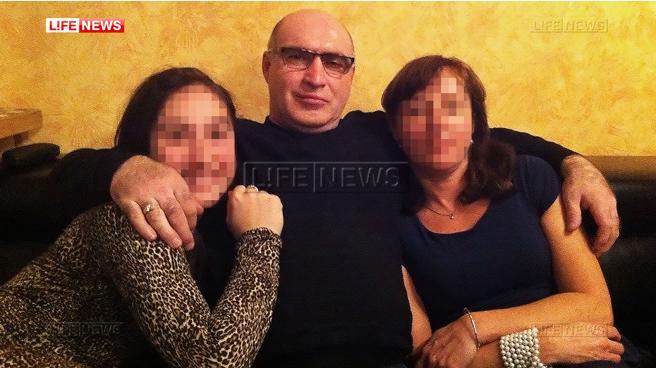 Расим Керимов с семьей