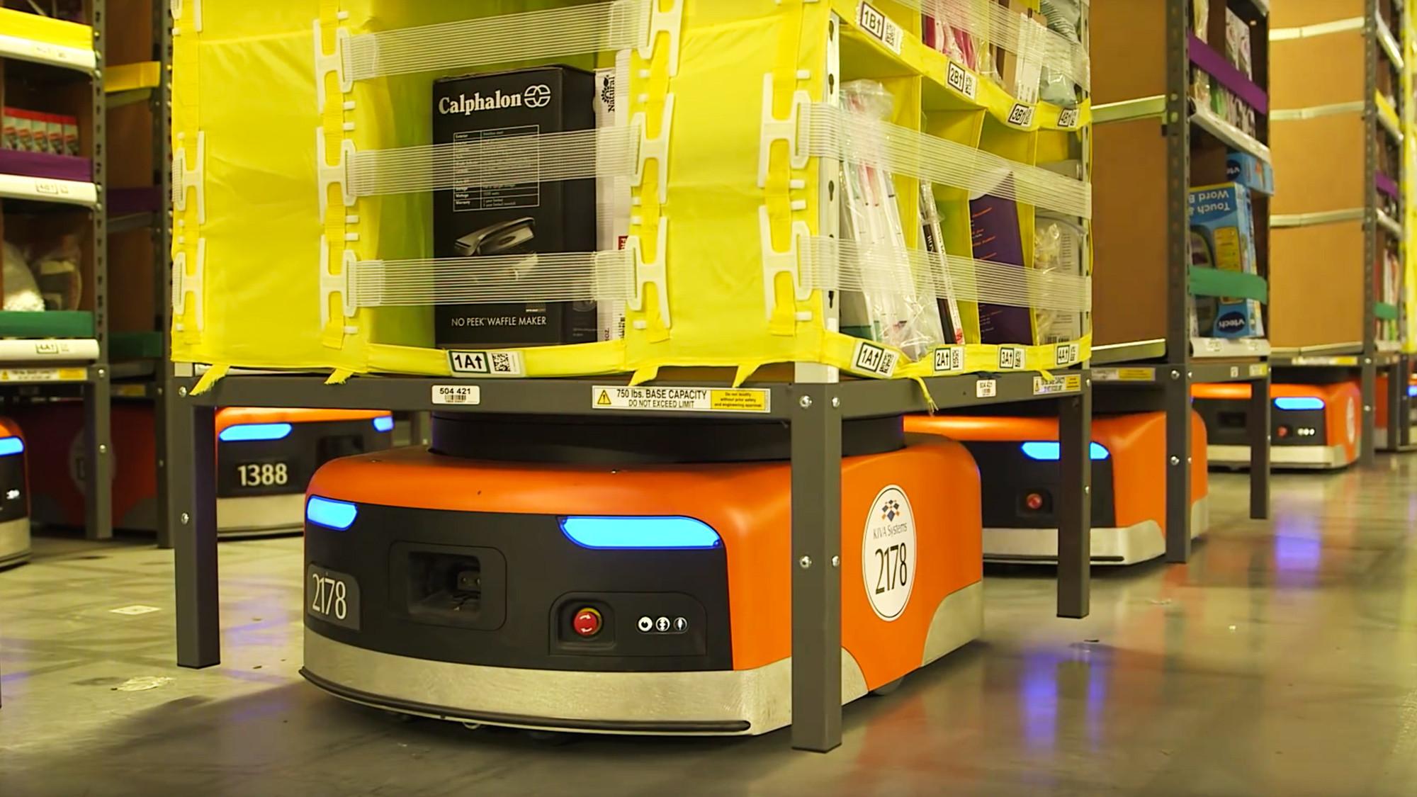 "<p>Фото: &copy; скриншот видео&nbsp;<a href=""https://www.youtube.com/watch?v=quWFjS3Ci7A"" target=""_blank"">youtube.com/Amazon warehouse robots</a>&nbsp;/ L!FE</p>"