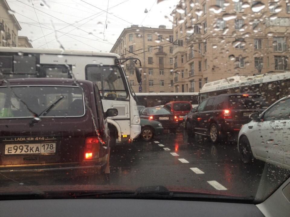 Жители Невского района винят в транспортном коллапсе Гульчука