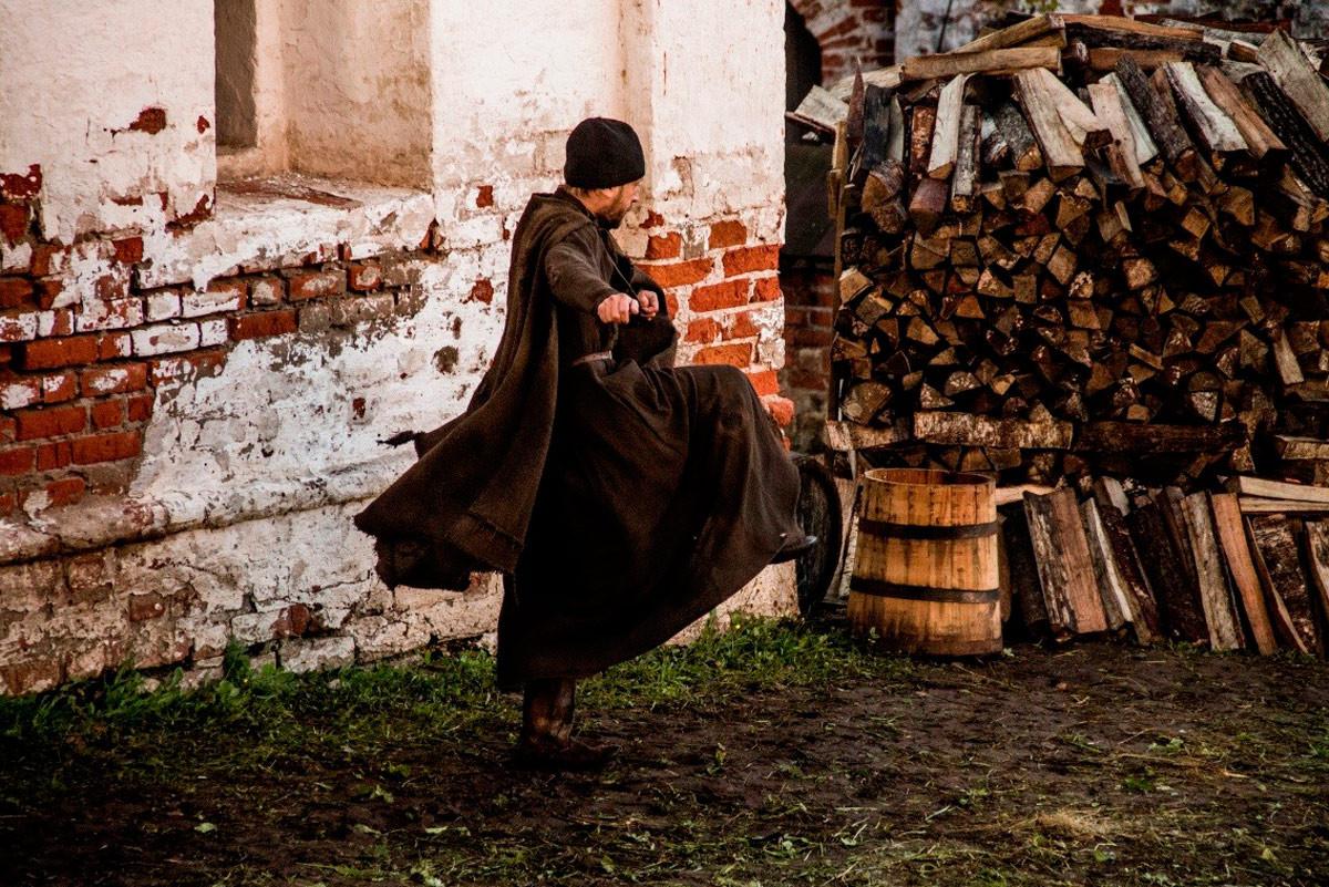 <p>Кадр из фильма &ldquo;Монах и бес&rdquo;/kinopoisk.ru</p>