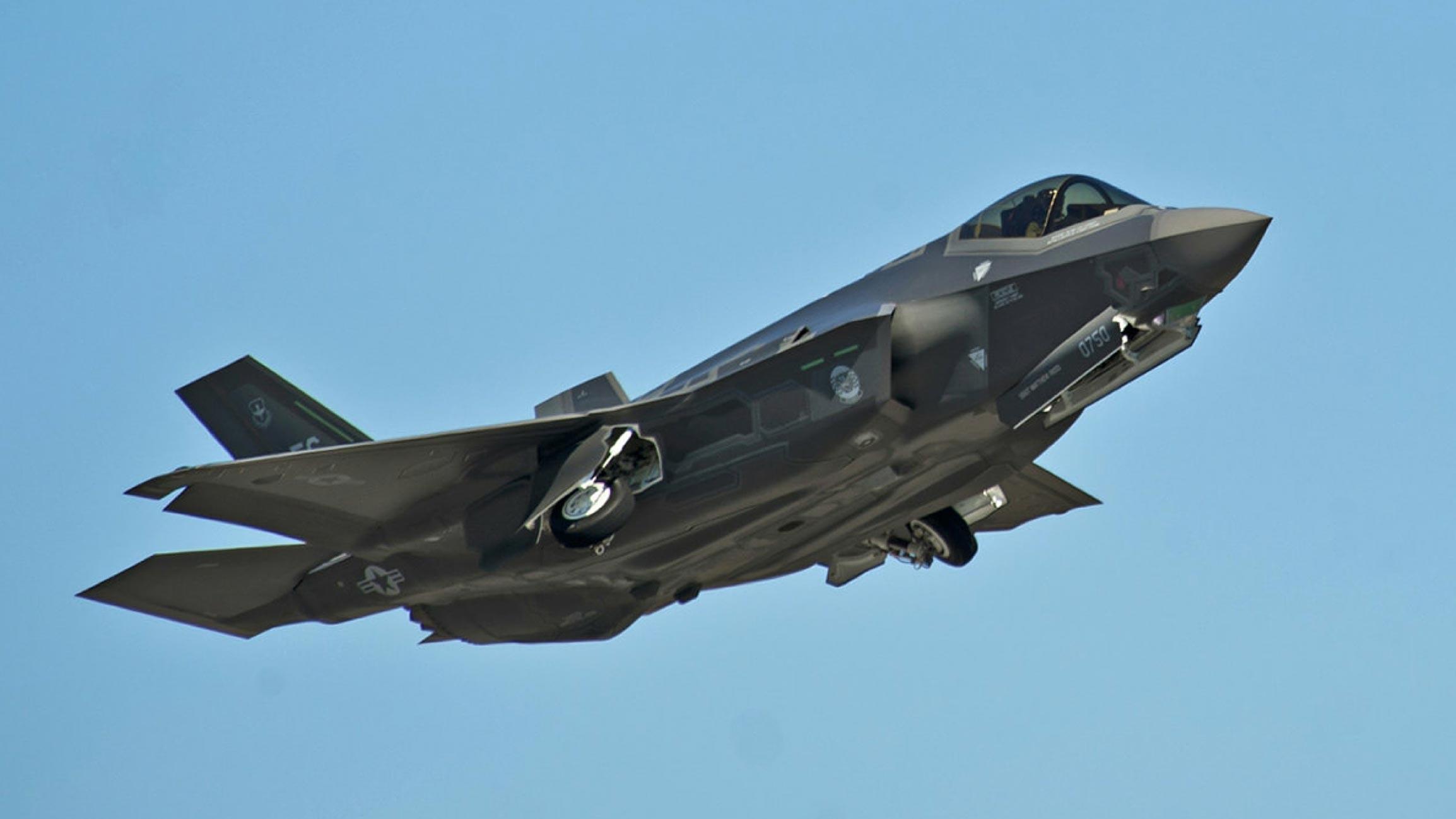 <p>Фото: &copy;&nbsp;REUTERS/U.S. Air Force photo/Randy Gon/Handout</p>