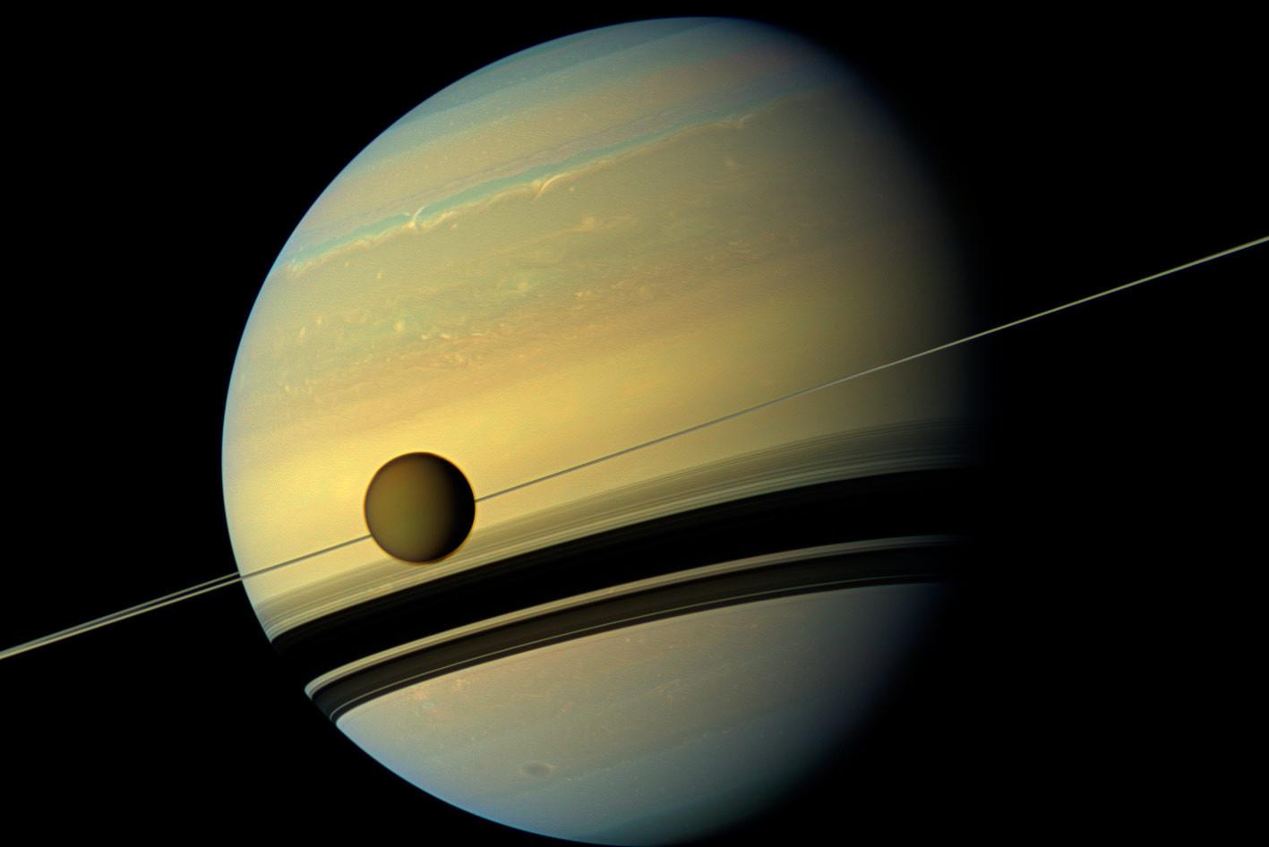 "<p>Фото: &copy;&nbsp;<a href=""https://www.nasa.gov/feature/goddard/2016/nasa-scientists-find-impossible-cloud-on-titan-again"" target=""_blank"">NASA</a></p>"