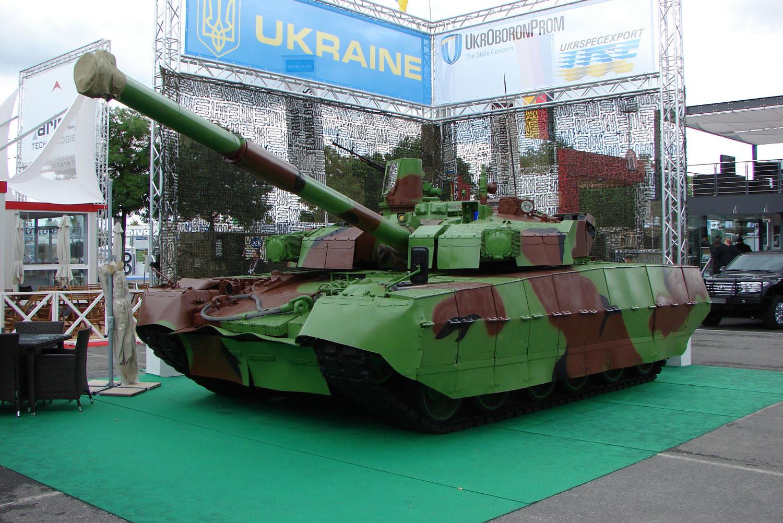 "<p>Фото: &copy;&nbsp;<a href=""https://commons.wikimedia.org/wiki/Category:BM_Oplot?uselang=ru#/media/File:2012_Eurosatory_Ukraine_tank.JPG"" target=""_blank"">wikimedia.org</a></p>"