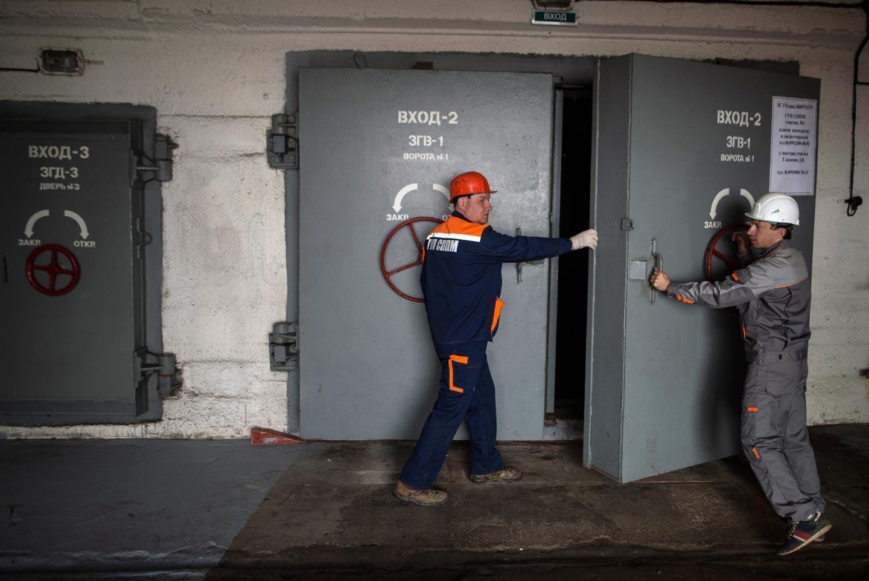 <p><span>Герметичные двери бомбоубежища на Алтуфьевском шоссе в Москве.&nbsp;</span>Фото: &copy; РИА Новости/Илья Питалев</p>
