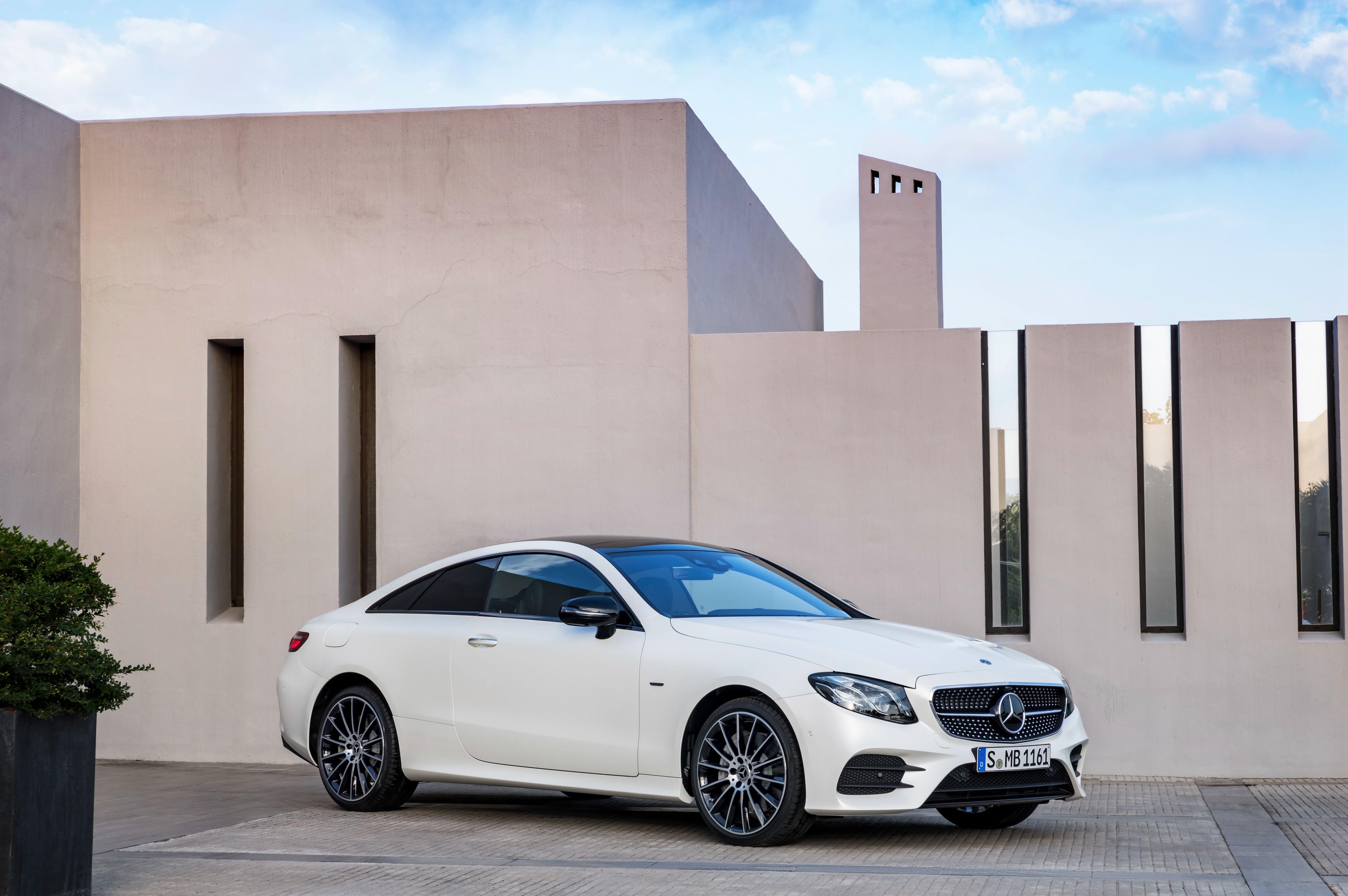 "<p>Mercedes-Benz E 400 4MATIC AMG Line Coupe ""Edition 1"". Фото: &copy; Mercedes-Benz</p>"