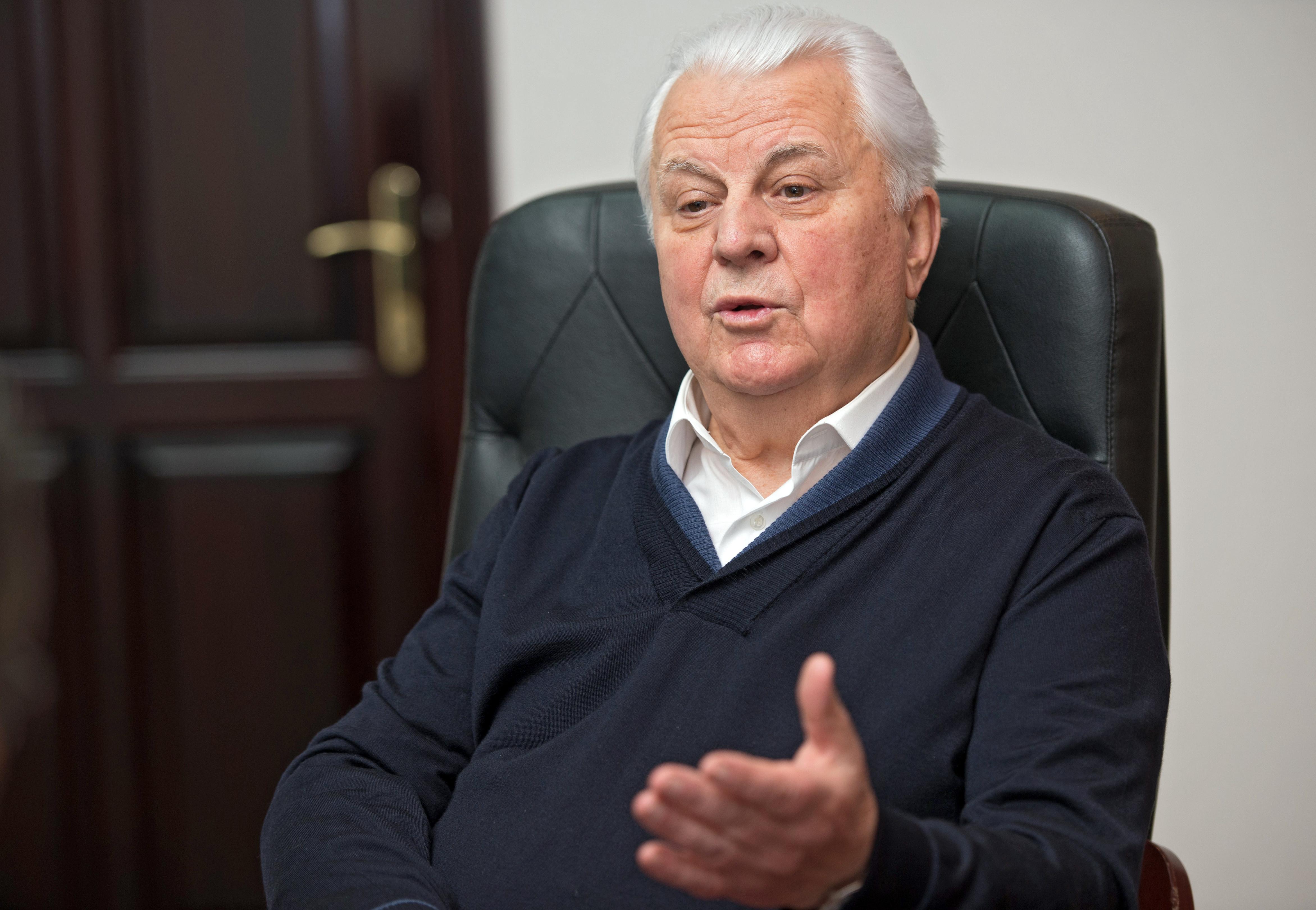 Кравчук выступил за перенос переговоров по Донбассу из Минска