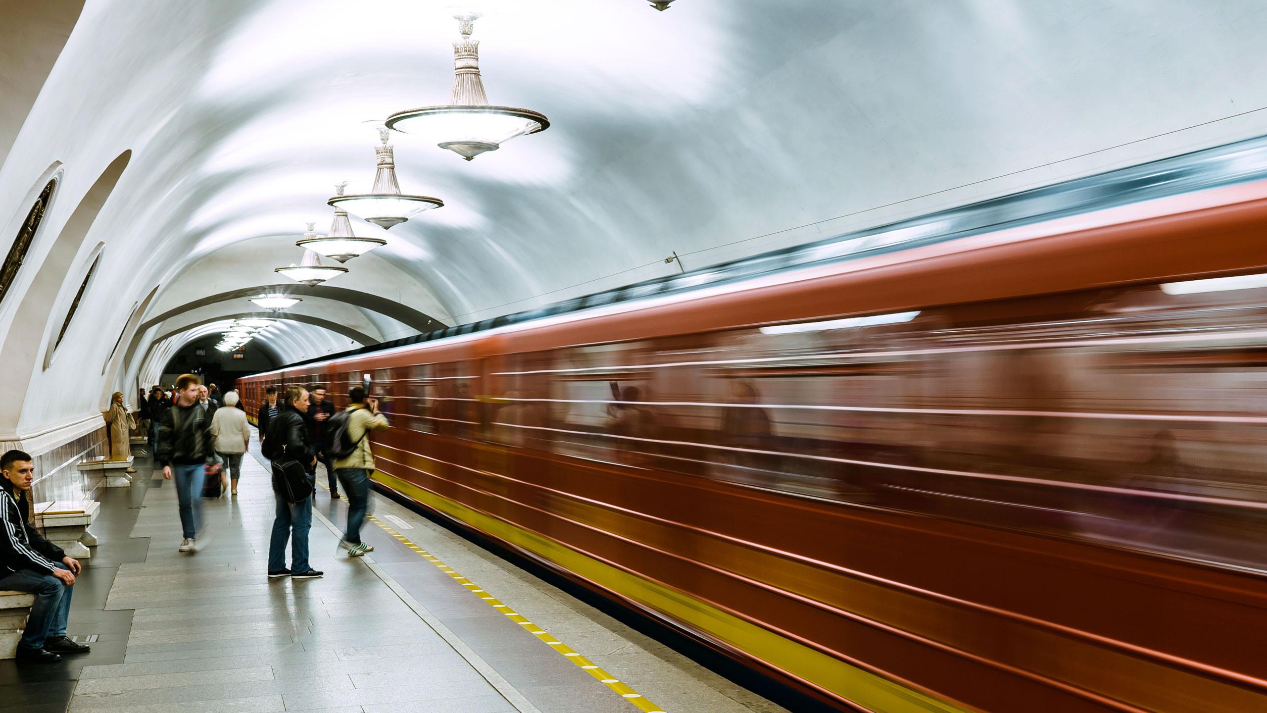 Петербуржцы жалуются на неработающее оборудование на «Дунайской»