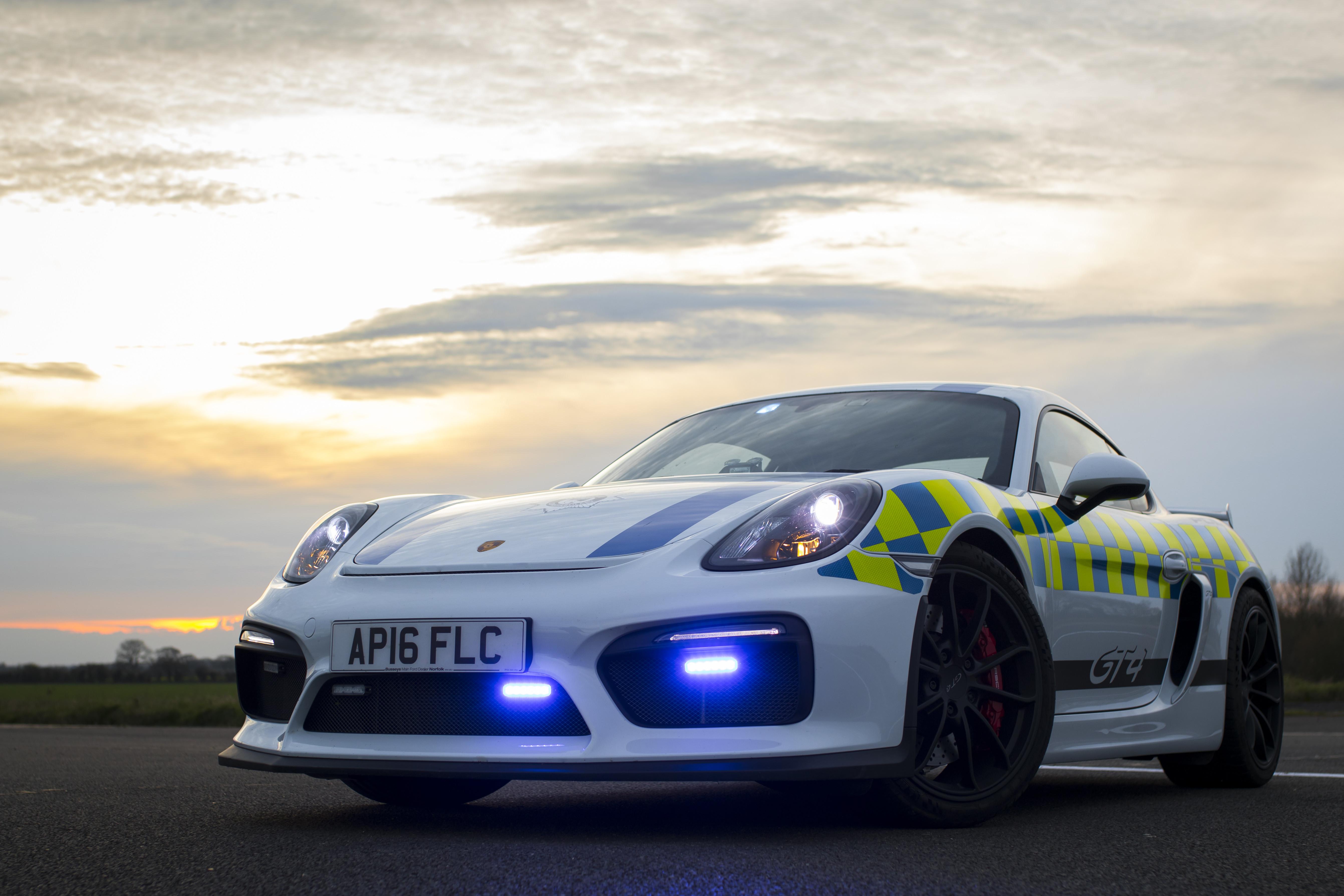<p>Porsche Cayman GT4. Фото: &copy; Norfolk Constabulary</p>