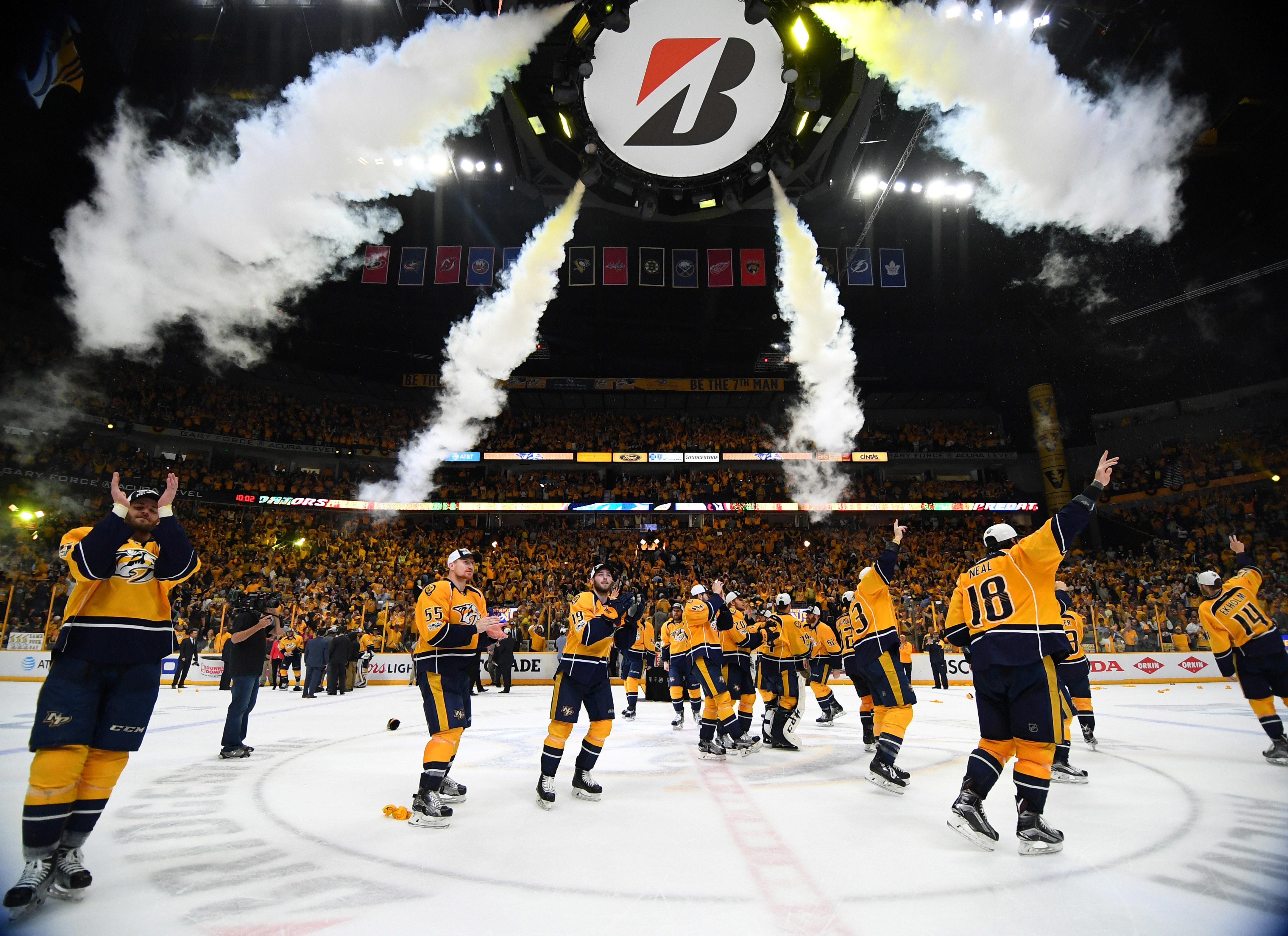 Нэшвилл празднует первый в истории выход в финал плей-офф НХЛ. Фото: Reuters