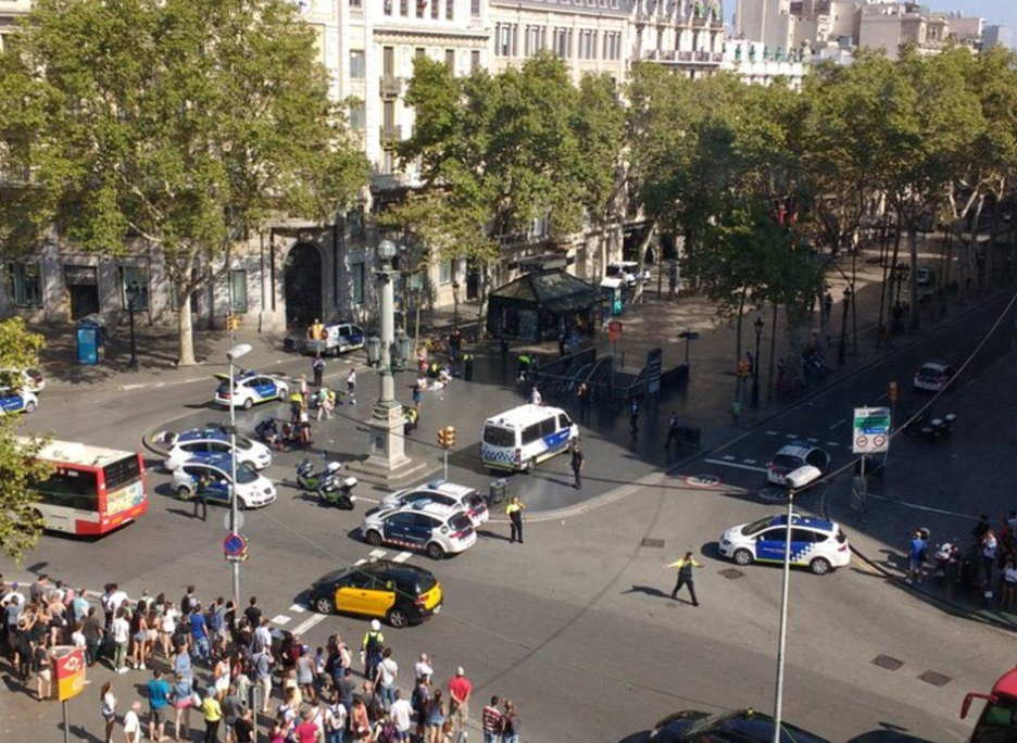 Теракт в Барселоне. Фото: Twitter