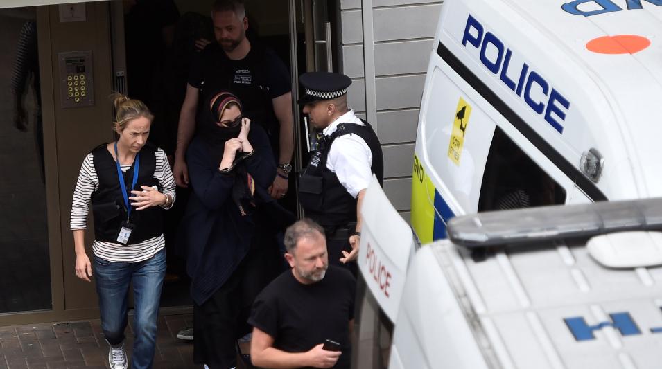 <p>Одна из подозреваемых по делу о теракте в Лондоне. Фото: &copy; REUTERS/Hannah Mckay</p>