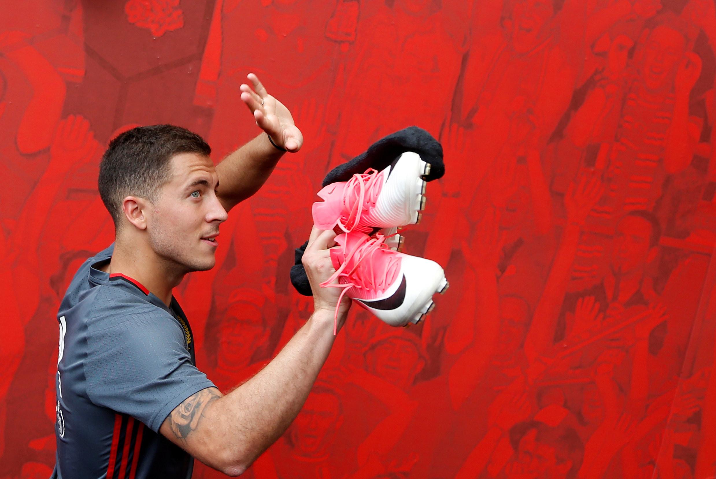 <p>Эден Азар во время тренировки сборной Бельгии по футболу. Фото: &copy;&nbsp;<span>REUTERS/Francois Lenoir</span></p>
