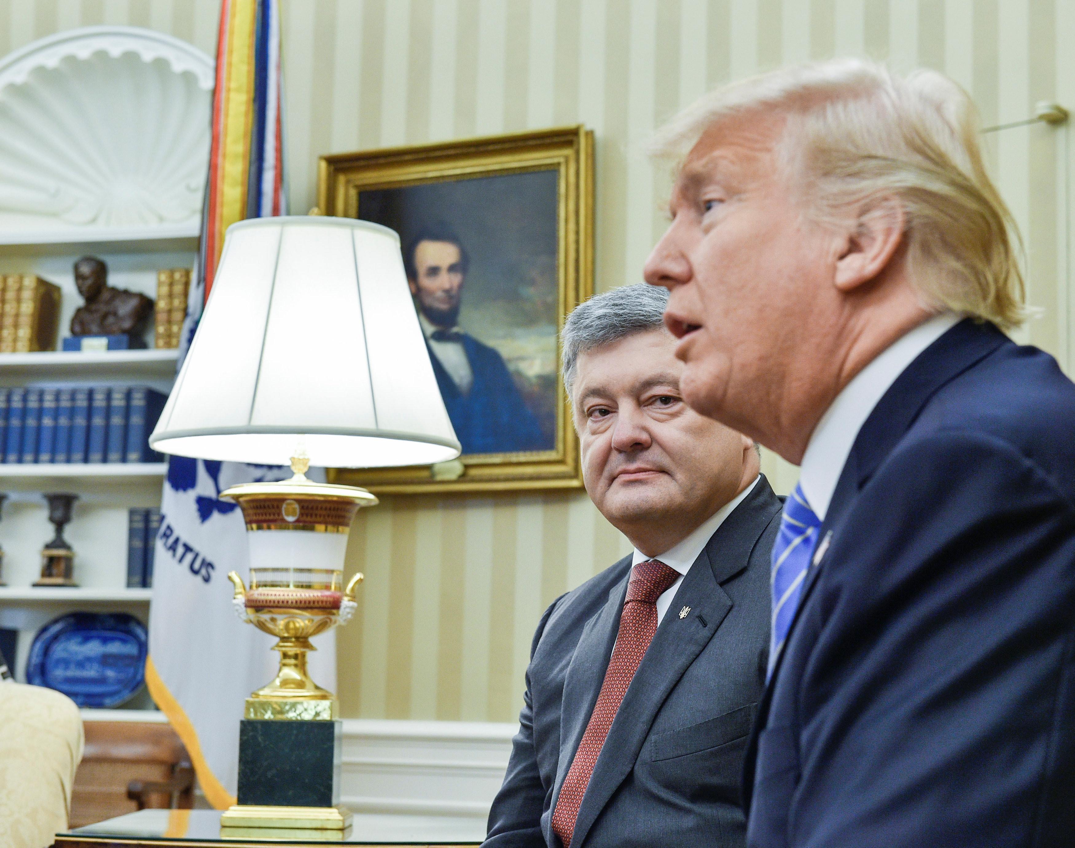 <p>Президент Украины Пётр Порошенко и президент США Дональд Трамп. Фото: &copy;REUTERS/<span>Mykola Lazarenko</span></p>