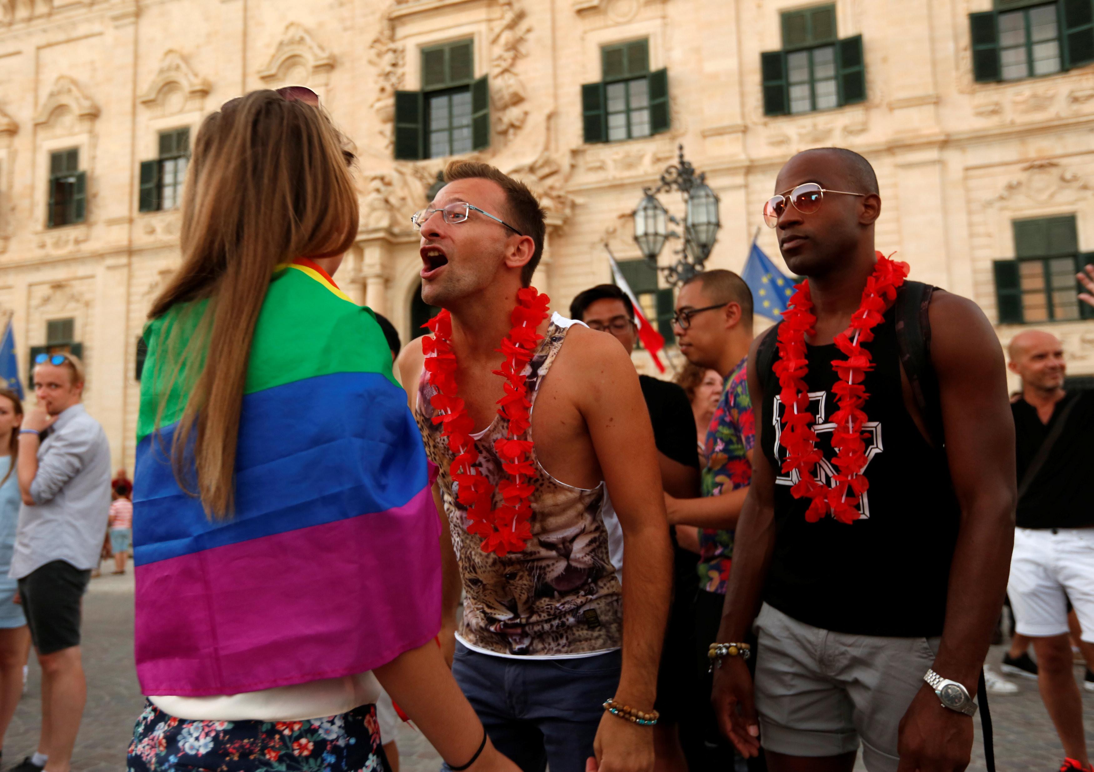 <p>Жители Мальты отмечают принятие закона об однополых браках. Фото: &copy; <span>REUTERS/Darrin Zammit Lupi</span></p>