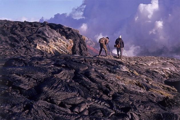 <p>Первые исследователи высадились на Сюртсей ещё в 1963 году, вскоре после того, как остров появился над поверхностью океана. Фото:&nbsp;<span>Sigurdur Thorarinsson/Arctic-Images.com</span></p>