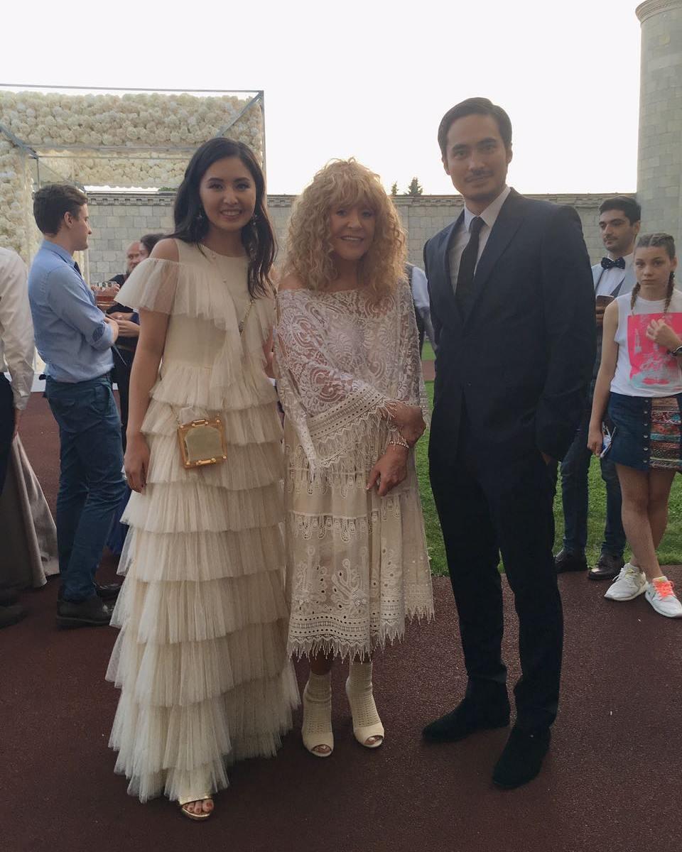 Алла Пугачёва с гостями свадьбы Фото: социальные сети