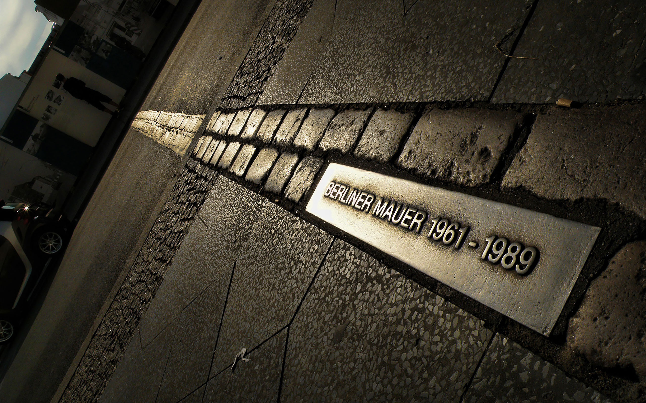 Берлинская стена сообщение кратко