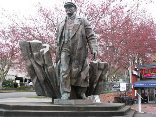 <p>Статуя Ленина в Сиэтле. Фото: &copy; Wikipedia.org</p>