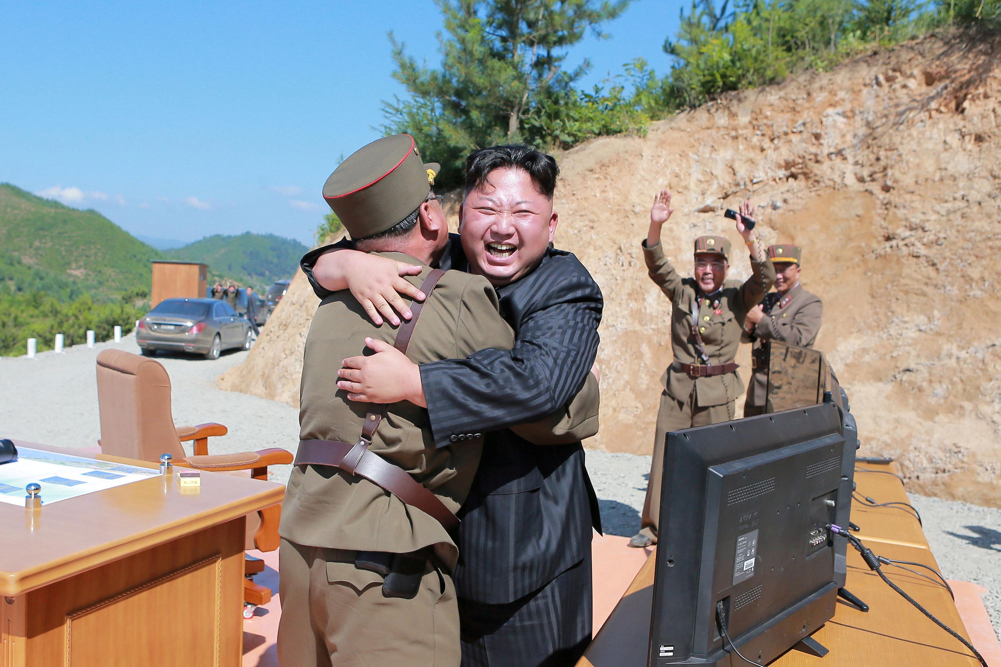 <p>Ким Чен Ын со своими генералами. Фото: &copy;&nbsp;<span>KCNA/REUTERS</span></p>