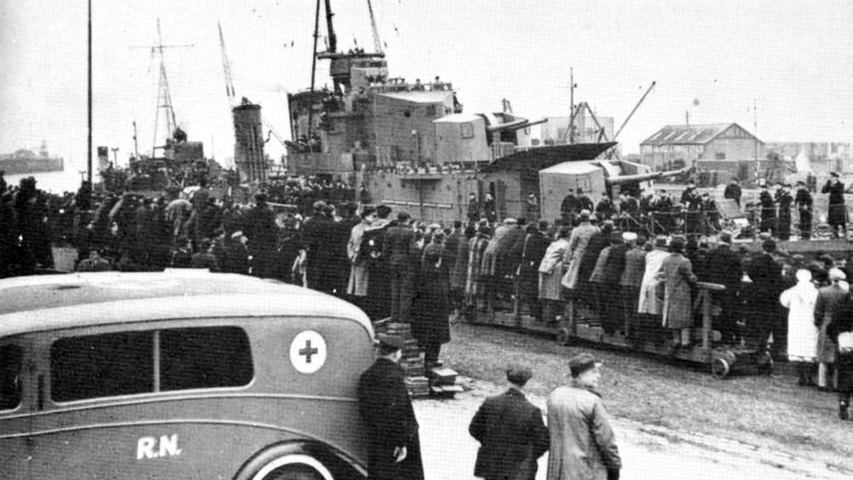 """""""Казак"""" вернулся в Лейт с освобождёнными британскими моряками. 17 февраля 1940 года. Фото: © wikipedia.org"""