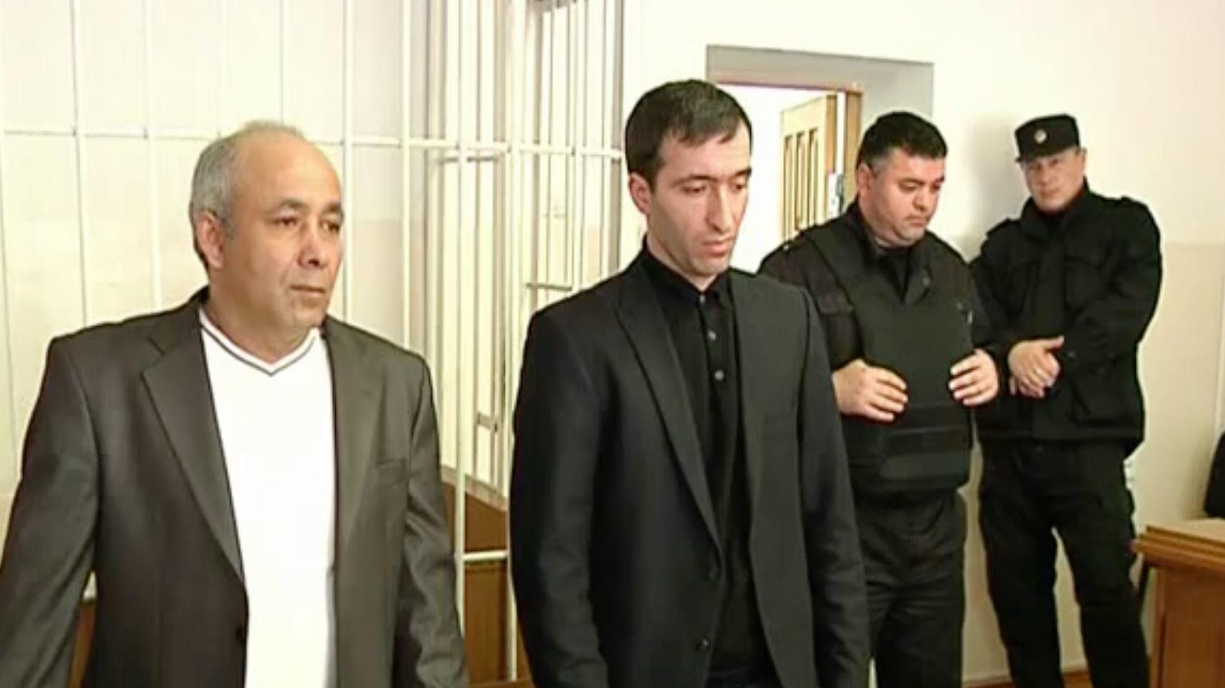 "Расул Аджиев (справа).Скриншот видео youtube/Телекомпания ""Черкесск"""