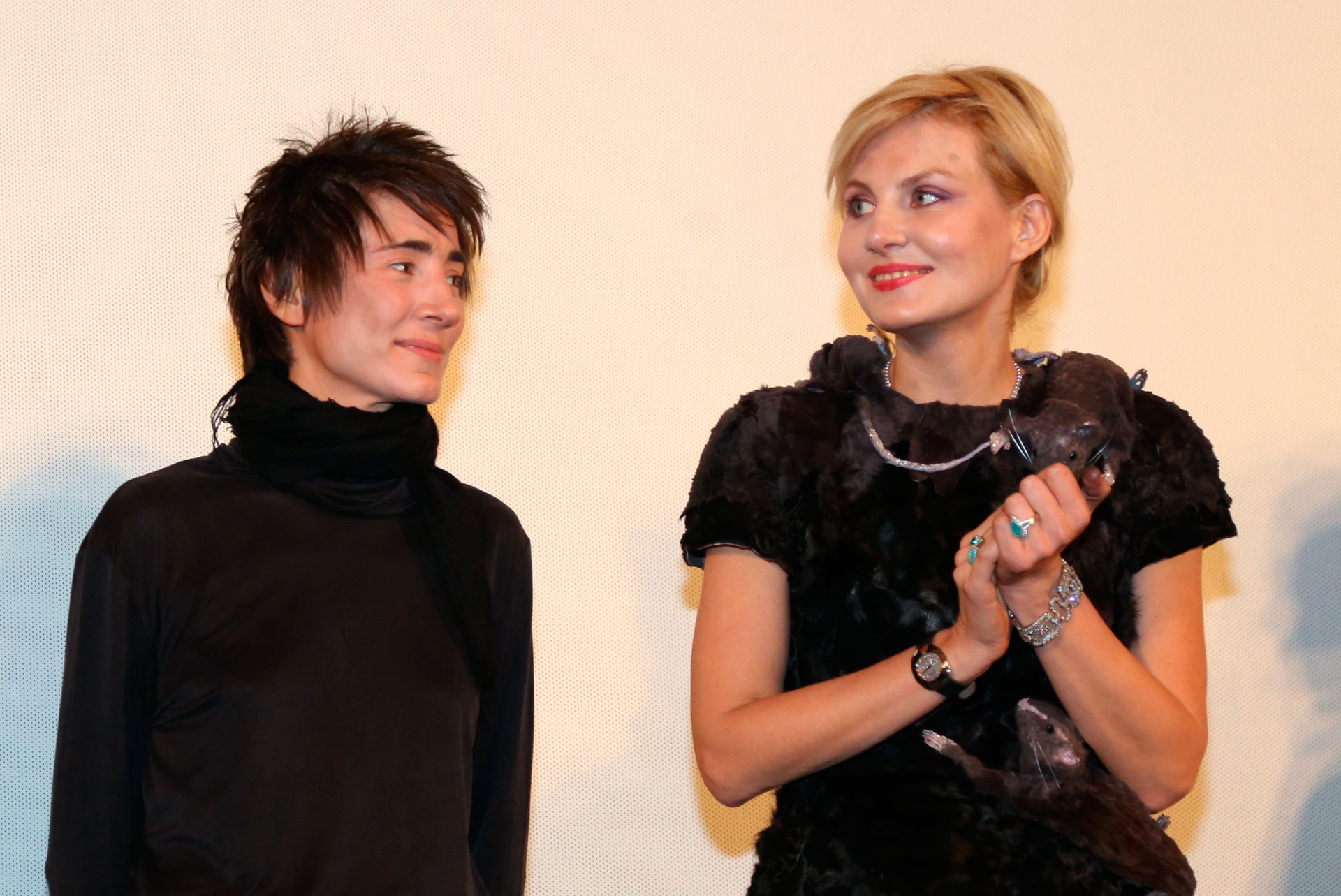 <p>Земфира и Рената Литвинова. Фото: &copy; РИА Новости/Екатерина Чеснокова</p>