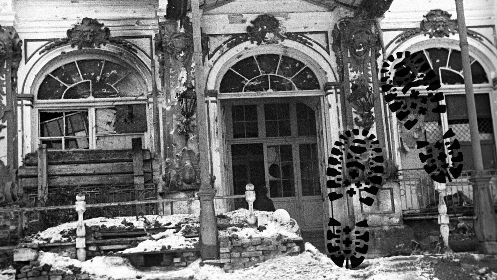 Здание Александровского дворца после освобождения города Пушкина советскими войсками. Коллаж © L!FE. Фото © РИА Новости/Борис Кудояров