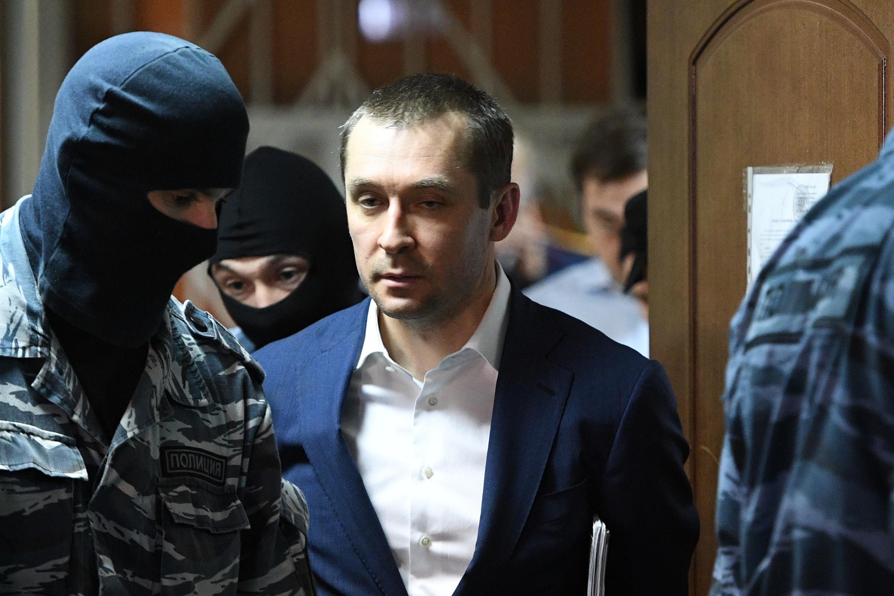 крепкие дмитрий захарченко последние новости фото вот постоянный