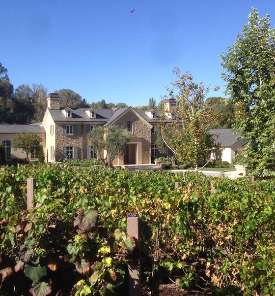 Виноградные сады в особняке Ким Кардашян и Канье Уэста