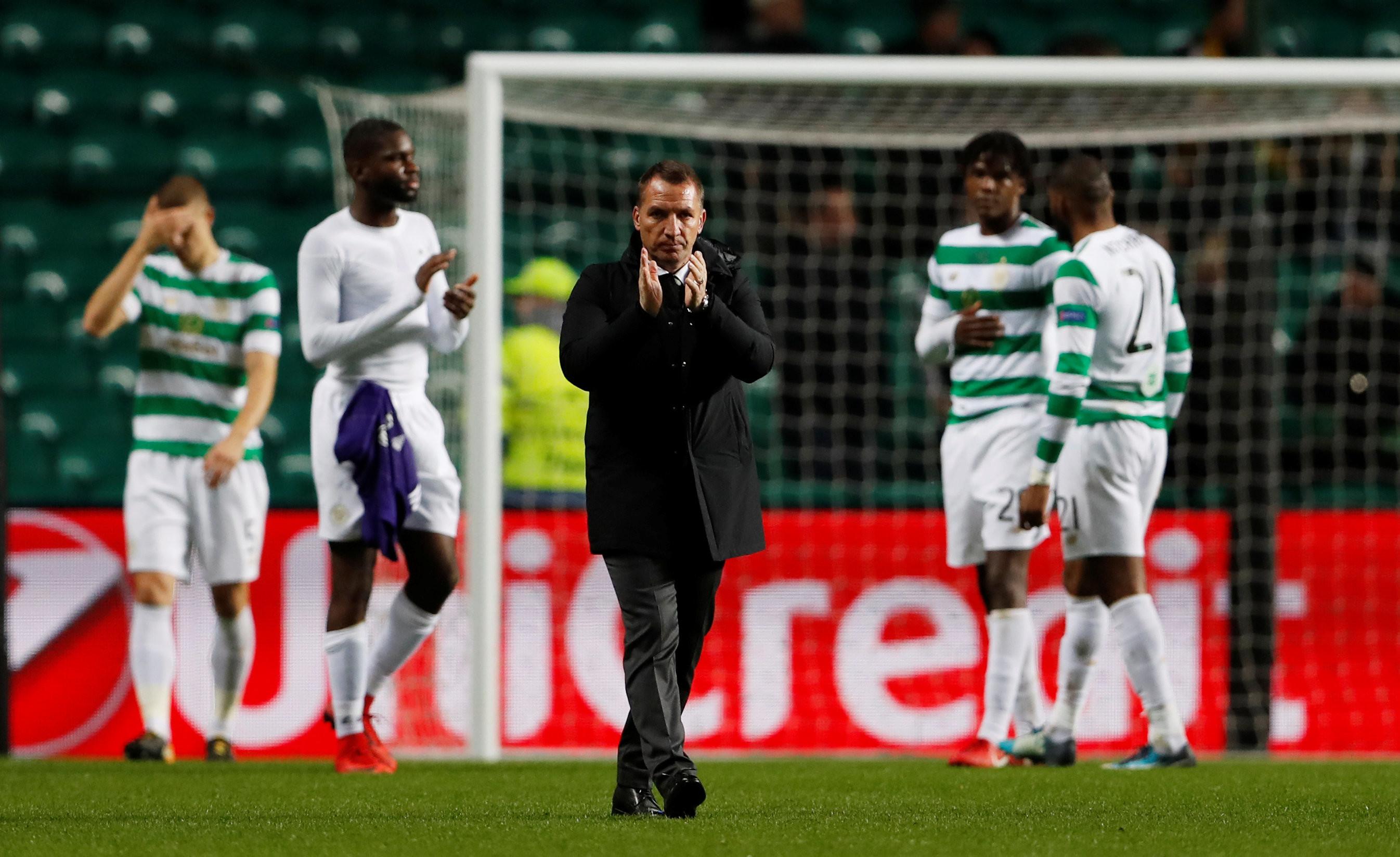 """Экс-тренер """"Ливерпуля"""" Брендан Роджерс с подопечными. Фото: © Reuters/Lee Smith"""