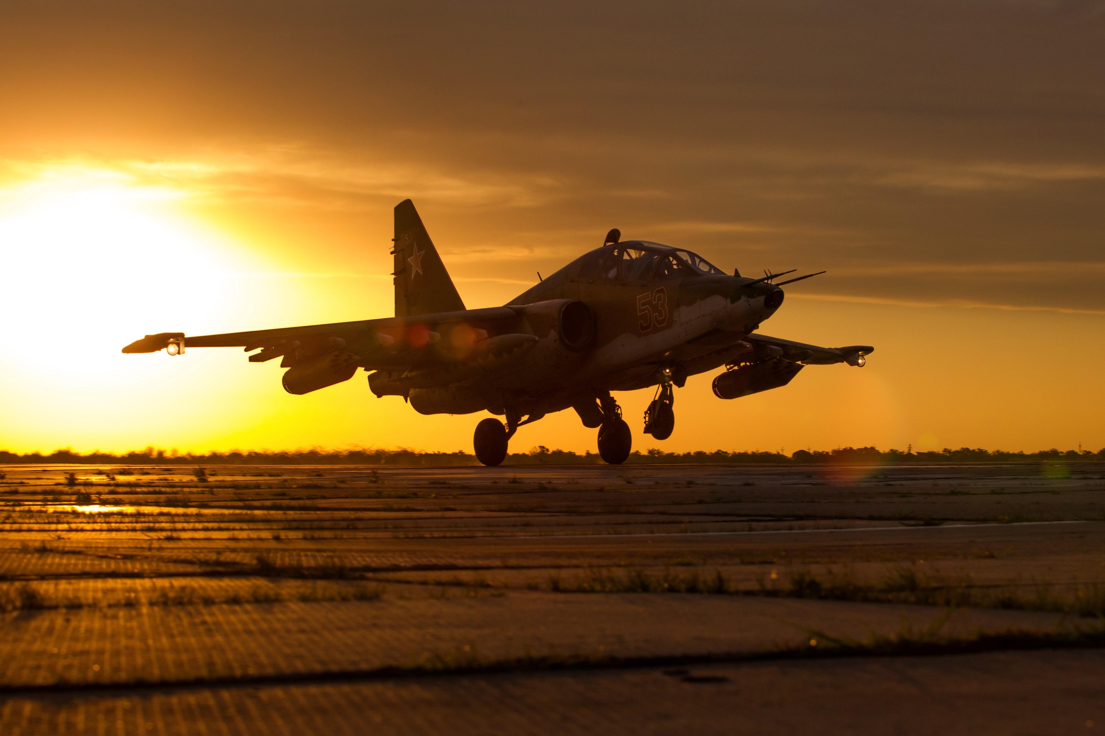 <p>Штурмовик Су-25СМ3<span>&nbsp; &nbsp;</span></p> <p></p> <p><span>Фото:&nbsp;&copy;&nbsp;РИА Новости/Виталий Тимкив</span></p>