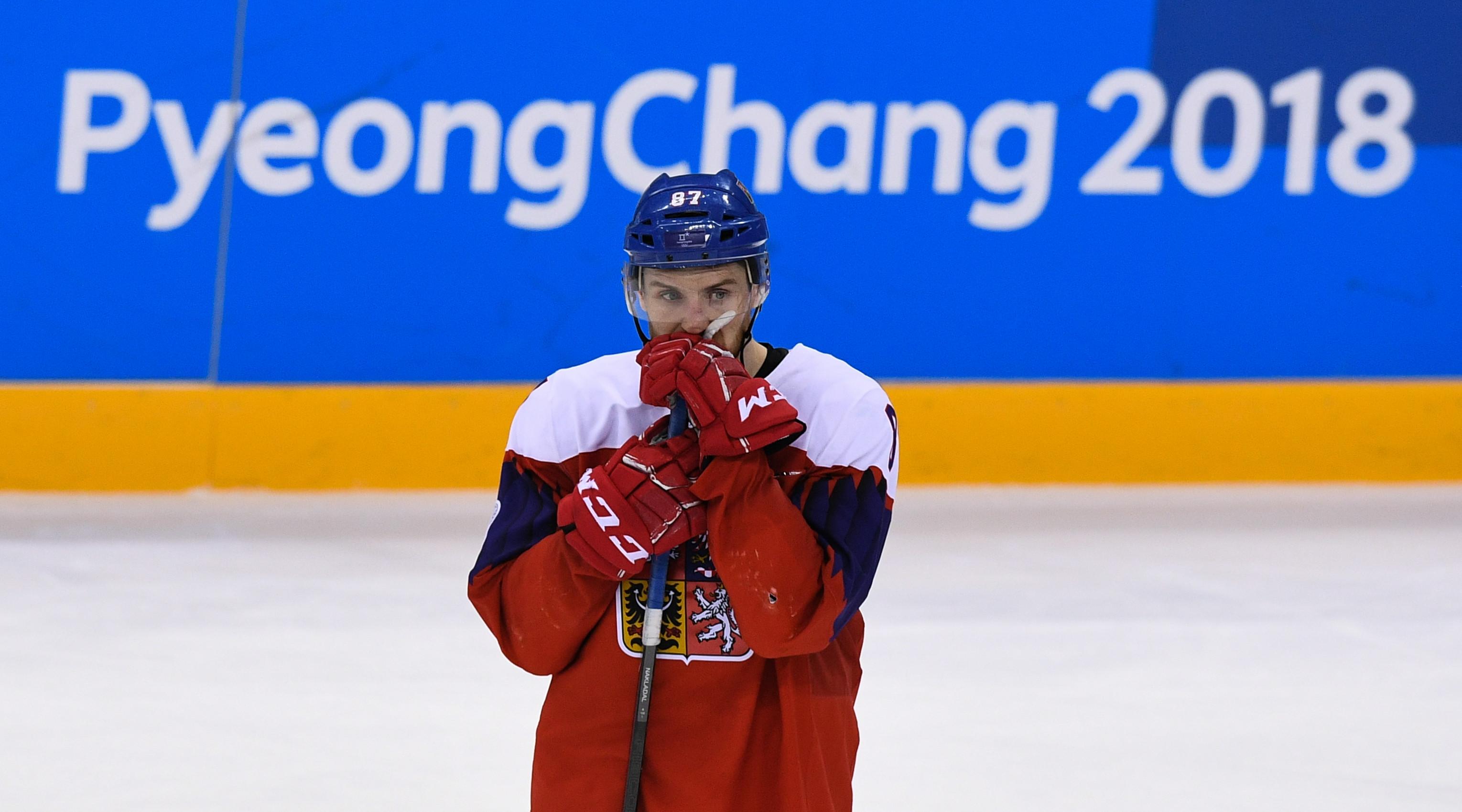 Чешский хоккеист Якуб Накладал расстроен проигрышем в матче за третье место. Фото: РИА Новости/Александр Вильф