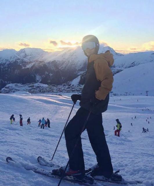 Семья вспоминает погибшего Джордона как волевого парня, который обожал горы и катался на профессиональном уровне / Фото © metro.co.uk