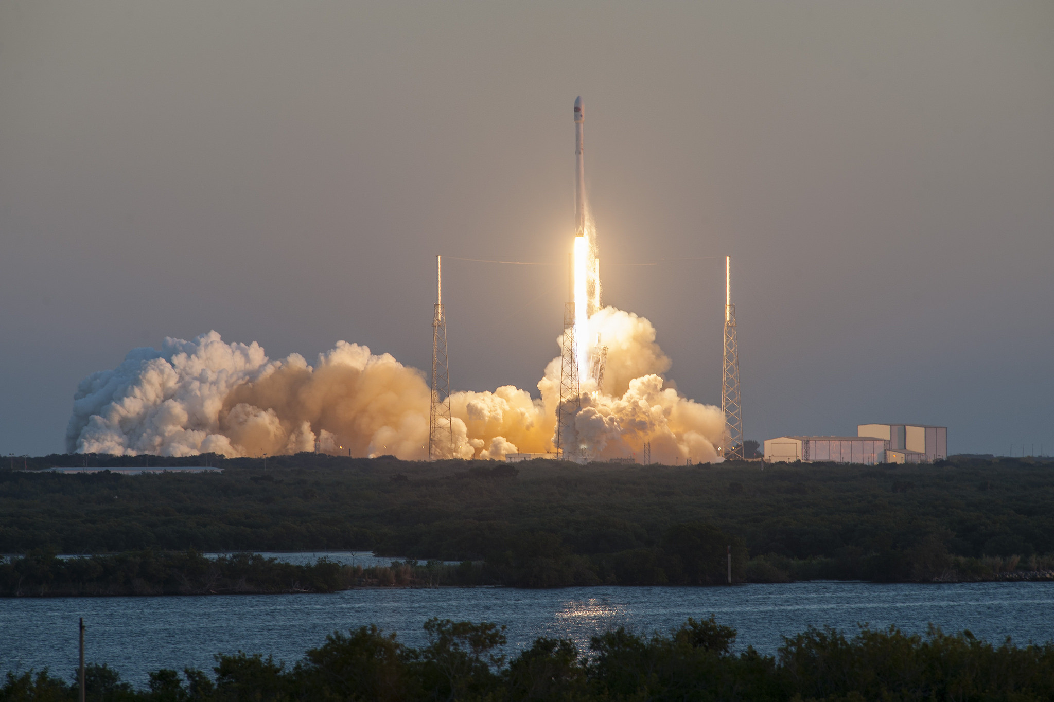 """<p>Фото &copy; Flickr/<a href=""""https://www.flickr.com/photos/spacex/"""" title=""""Go to Official SpaceX Photos's photostream"""" data-track=""""attributionNameClick"""" data-rapid_p=""""49"""">Official SpaceX Photos</a></p>"""