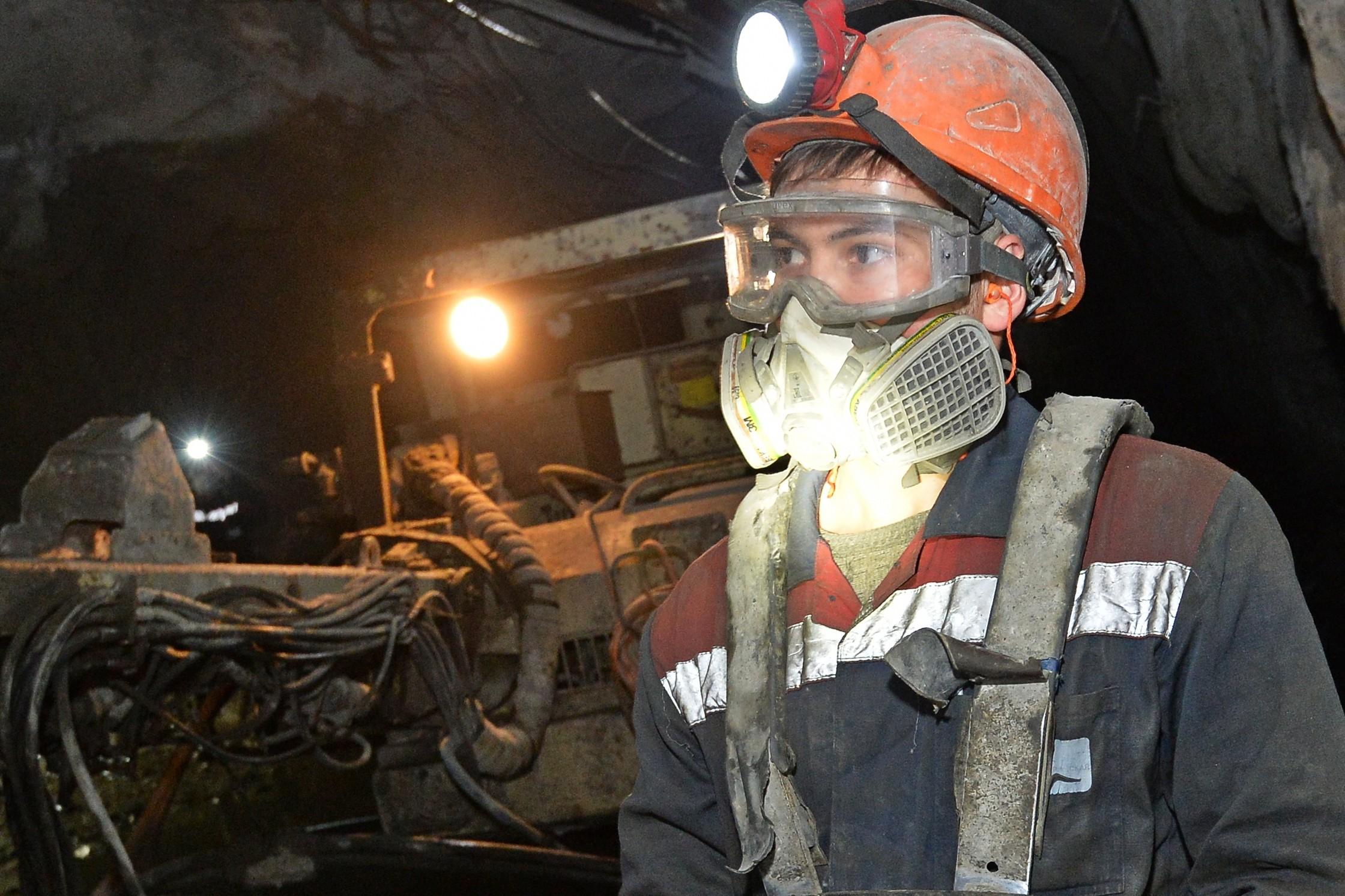 костюм пожары в шахтах картинки прилавке справа