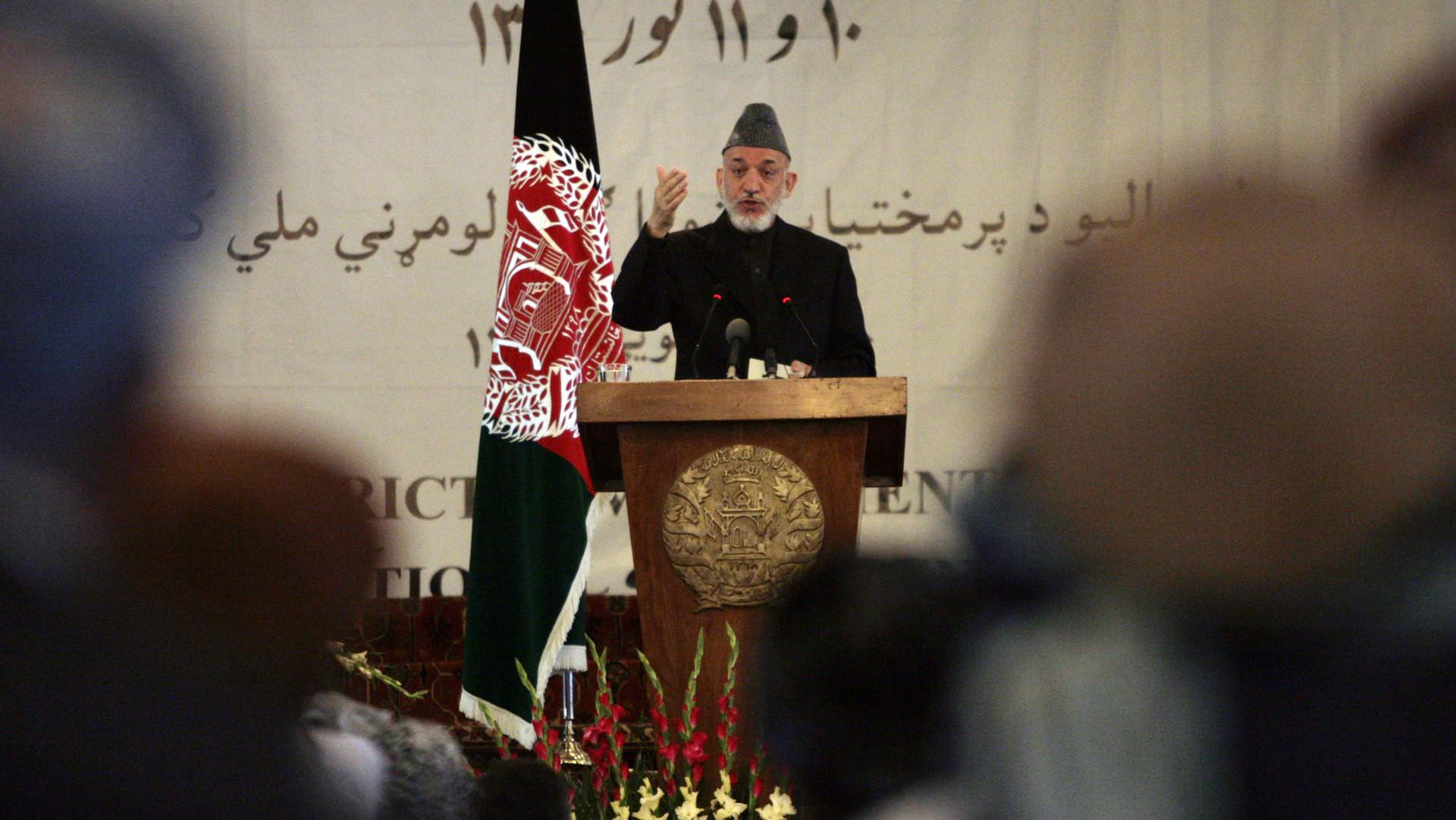 Президент Афганистана Хамид Карзай выступает в президентском дворце в Кабуле в Афганистане после смерти Бен Ладена. 2 мая 2011 г. Фото: © AP Photo/Hossein Fatemi