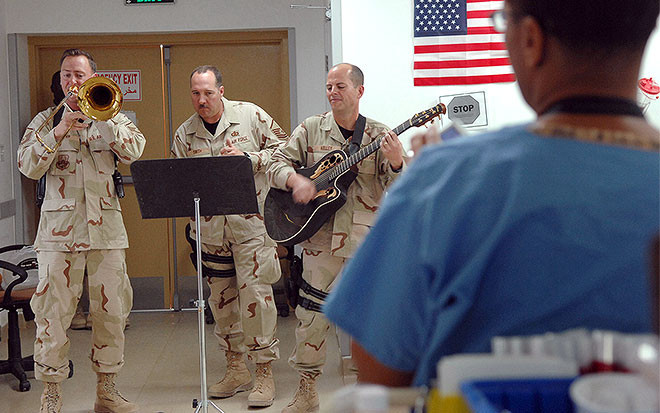 """<p>Фото: &copy; <a href=""""http://www.afcent.af.mil/News/Article/222020/bringing-the-joy-of-music-to-the-hearts-of-balad-anaconda/"""" target=""""_blank"""">US Air Forces Central Command</a></p>"""