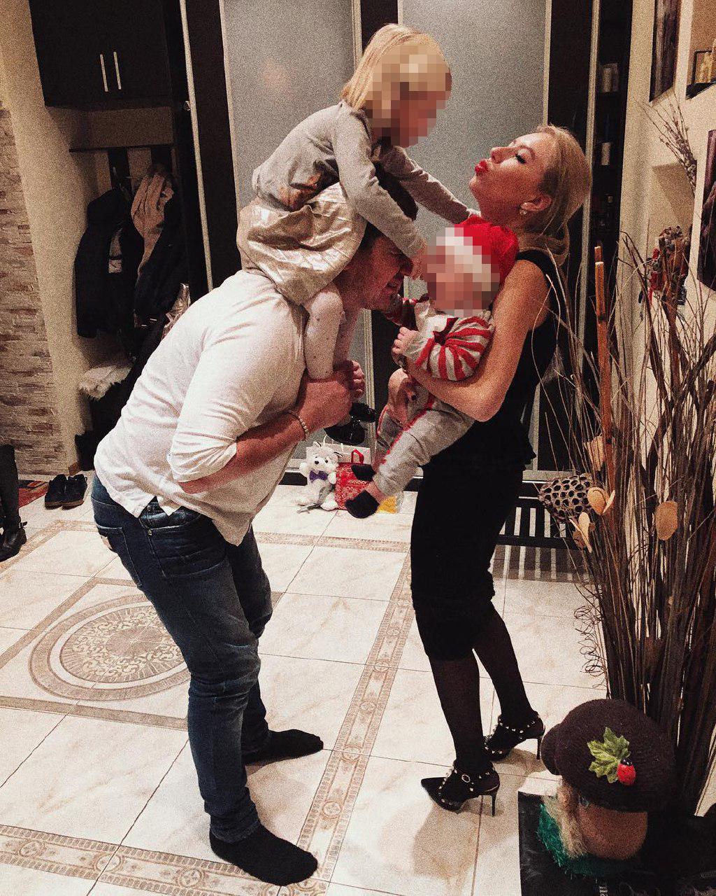 Фото © Instagram/Christina Tuleeva / Семья Стаса, за которой следит всего 3 тыс. подписчиков его жены :(