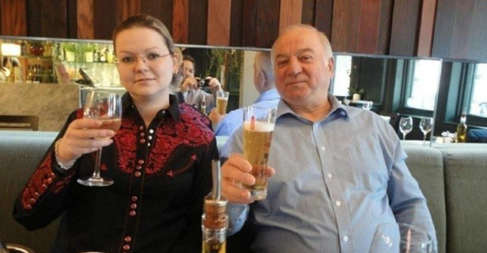 <p><span>Экс-сотрудник ГРУ Сергей Скрипаль и его дочь Юлия. Фото: globallookpress.com</span></p>