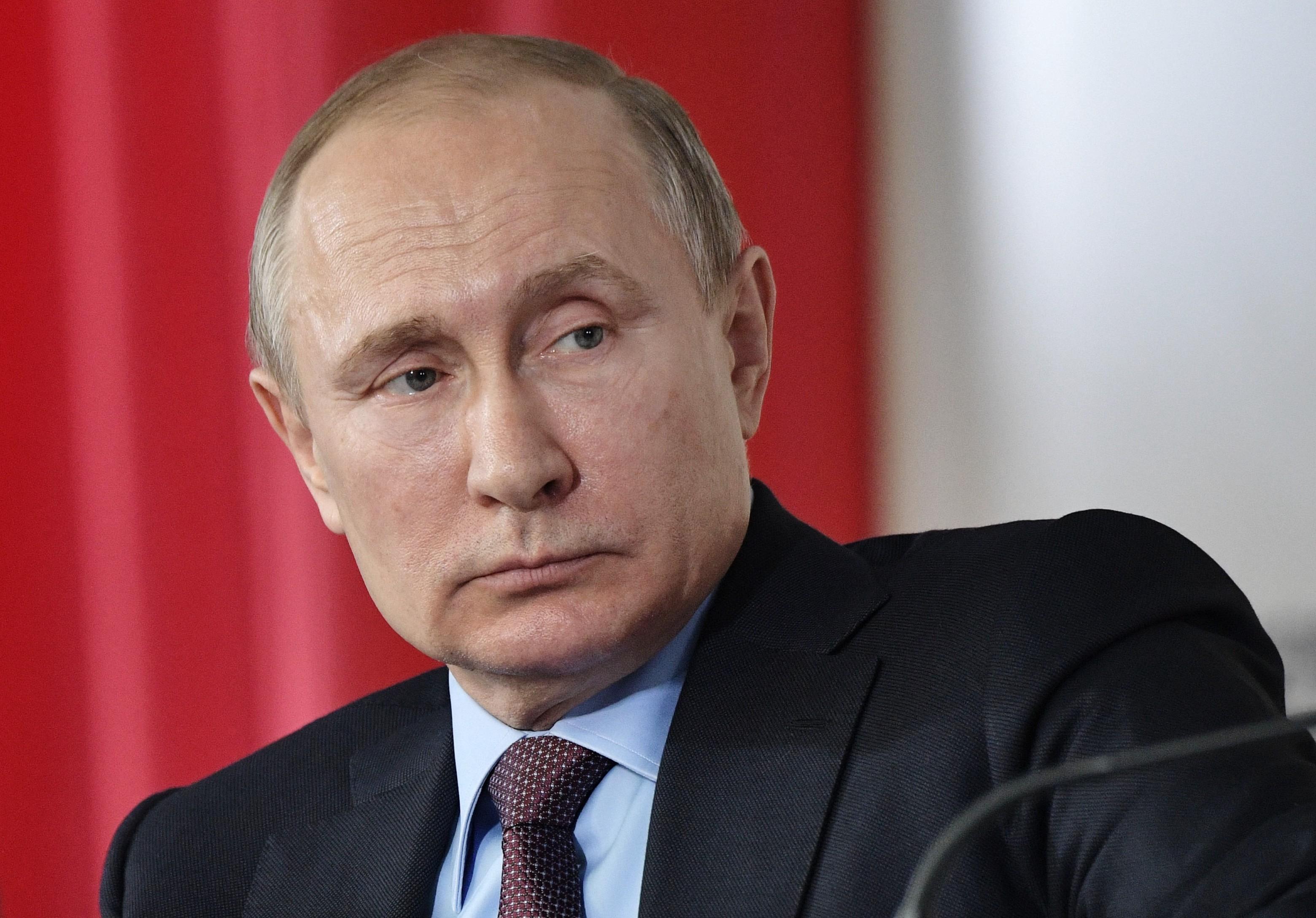 Путин поручил Мишустину и Развожаеву позаботиться о Севастополе